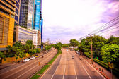 BANGKOK, THAILAND, 4 AUGUST 2014, Traffic on a road in the city centre — Stock Photo