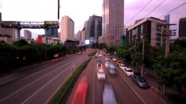 Traffic in Bangkok, Thailand. Advertising board near the road. Timelapse speed up. HD. 1920x1080 — ストックビデオ