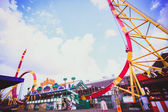 RUSSIA. 8 AUGUST 2014, Colorful Looping Roller Coaster On A Beautiful Sunny Day in Moscow — Foto de Stock