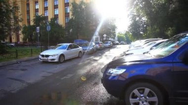 RUSSIA, 8 AUGUST 2014, Parking cars in Moscow city and sunlight. HD. 1920x1080 — Stock Video