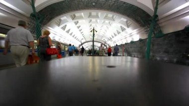 MOSCOW, RUSSIA, 13 AUGUST 2014, Timelapse speed up. People using subway public transport. HD. 1920x1080 — Stock Video