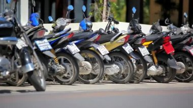 THAILAND, KOH SAMUI, JULY 2, 2014, Row of motorcycles on the street. Thailand video shift motion. HD. 1920x1080 — Vidéo