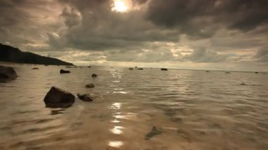 Tropical cloudy day on the beach in Koh Samui — Stock Video