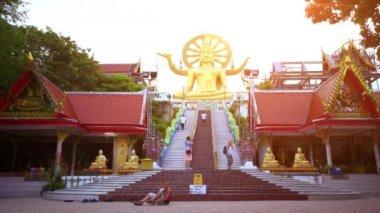 Koh Samui, Thailand. 18 July 2014. Buddha gold statue in sunset. HD. 1920x1080 — Stock Video
