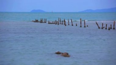 Pegs into the sea on coast of Koh Samui. Thailand. HD. 1920x1080 — Stock Video