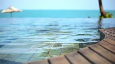 Swimming pool near the sea, island Koh Samui,Thailand. Set 3 clips Video shift motion — Stock Video