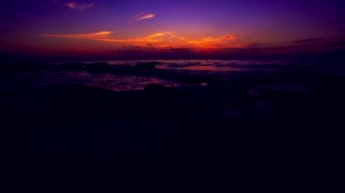 Timelapse of Amazing sunrise on the pebble beach — Wideo stockowe