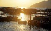 Zonsondergang in hong kong vissersdorp — Stockfoto