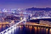 Seoul Tower och Downtown skyline — Stockfoto
