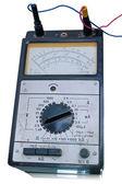 Старый аналоговый электронный тестер — Стоковое фото