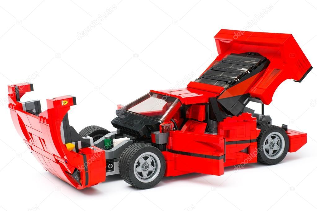 lego ferrari f40 voiture avec le capot ouvert portes et du coffre photo ditoriale 104573252. Black Bedroom Furniture Sets. Home Design Ideas