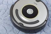 IRobot Roomba Vacuum Cleaning Robot — Stockfoto