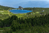 Lake Bezbog and Bezbog hut, Pirin Mountain — Stockfoto