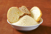 Stale bread and finely ground breadcrumbs — Stockfoto
