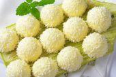 White Chocolate Coconut Truffles — Stock Photo