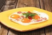 Ham and eggs — Stock Photo