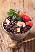Chocolate breakfast cereal — Stock Photo