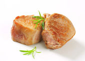 Pan-seared pork medallions — Stock Photo