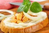 Pan con manteca y chicharrones — Foto de Stock