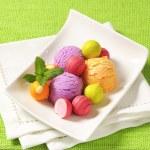 Fruit-flavored ice cream and pralines — Stock Photo #78922438