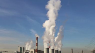 Smoke stacks at coal burning power plant — Stockvideo