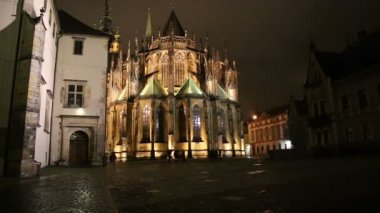 St. Vitus Cathedral (Roman Catholic cathedral ) in Prague Castle, Czech Republic — Stock Video
