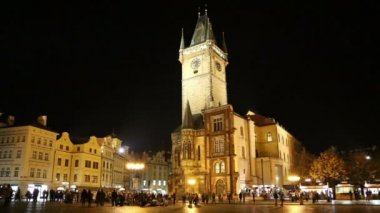 Old Town City Hall in Prague (Night view), view from Old Town Square, Czech Republic — Stock Video