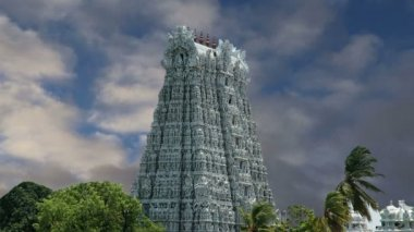Suchindram temple dedicated to the gods Shiva, Vishnu and Brahma, protected by UNESCO. Kanniyakumari, Tamil Nadu, South India — Stock Video