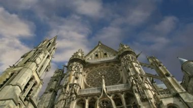 Cathedral (Notre Dame) of Senlis, Oise, Picardy, France — Stock Video