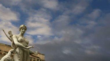 Fontana di Artemide. Siracusa (siracusa, sarausa) - città storica in Sicilia, Italia — Video Stock