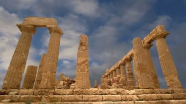 Ancient Greek Temple of Juno (V-VI century BC), Valley of the Temples, Agrigento, Sicily. — Wideo stockowe
