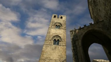 Medievel Catholic Church (fourteenth century). Chiesa Matrice in Erice, Sicily — Vídeo de Stock