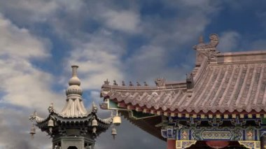 Giant Wild Goose Pagoda or Big Wild Goose Pagoda, is a Buddhist pagoda located in southern Xian (Sian, Xi'an),Shaanxi province, China — Stock Video