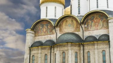 The Assumption Cathedral (was the site of coronation of Russian tsars), Moscow Kremlin, Russia. UNESCO World Heritage Site — Stock video