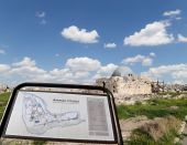Amman city landmarks-- old roman Citadel Hill (Site plan legend), Jordan — Stock Photo