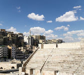 Roman Theatre in Amman, Jordan -- theatre was built the reign of Antonius Pius (138-161 CE), the large and steeply raked structure could seat about 6000 people — Stock Photo