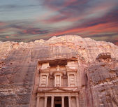 Al Khazneh or The Treasury at Petra, Jordan-- it is a symbol of Jordan, as well as Jordan's most-visited tourist attraction — Stock Photo