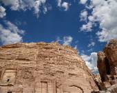 Petra, Jordan-- it is a symbol of Jordan, as well as Jordan's most-visited tourist attraction. — Stock Photo