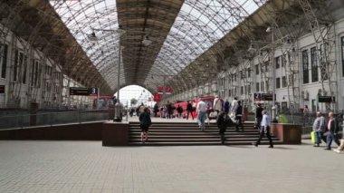 MOSCOW, RUSSIA- May 14, 2015:Aeroexpress red Train on Kiyevskaya railway station  (Kiyevsky railway terminal,Kievskiy vokzal) -- is one of the nine main railway stations of Moscow, Russia — Stock Video