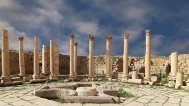 Römische Ruinen in der jordanischen Stadt Jerash (Gerasa der Antike), Hauptstadt und größte Stadt Jerash Gouvernement, Jordanien — Stockvideo