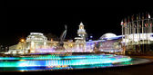 Square of  Europe, Animated fountain and Kiyevskaya railway station  lit at night, Moscow, Russia — Stock Photo