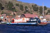 Ferry on Lake Titicaca at Tiquina, Bolivia — Stock fotografie