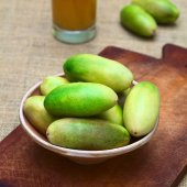 Banana Passionfruit (lat. Passiflora Tripartita) — Stock Photo