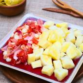 Cassava with Tomato, Corn and Onion — Stock Photo