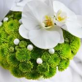 Beautiful bride bouquet — Stock Photo