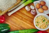 Weißer Reis und verschiedene Gemüse — Stockfoto