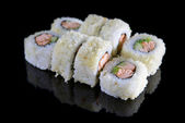 Delicious sushi rolls — Stock Photo