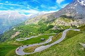 Serpentine mountain road — Stock Photo
