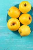 Altın lezzetli elma — Stok fotoğraf