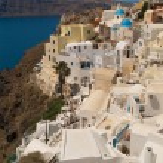 Traditional architecture of Oia village on Santorini island, Gre — Stock Photo #80692244